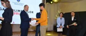 """409 elevi și 315 profesori au fost premiați de Consiliul Județean Maramureș la """"Gala olimpicilor maramureșeni"""""""
